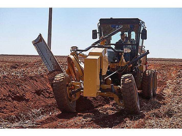 Caterpillar alcança 80 mil motoniveladoras produzidas no Brasil