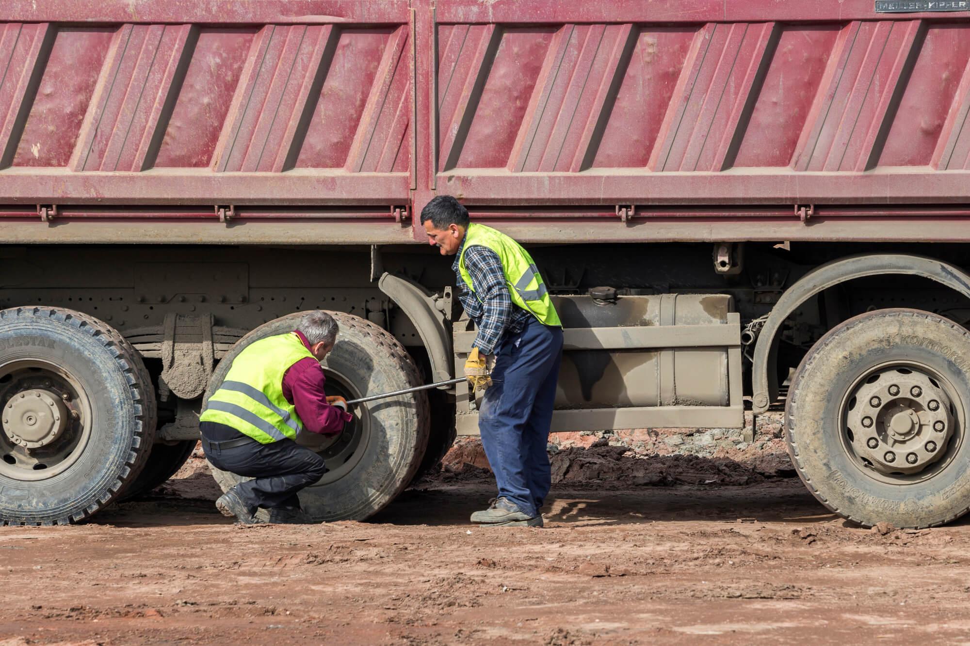 Cuide corretamente dos pneus do caminhão